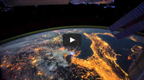 sorvolare il pianeta Terra