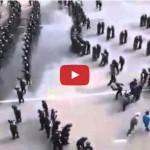 Ecco come la polizia Coreana respinge gli hooligans