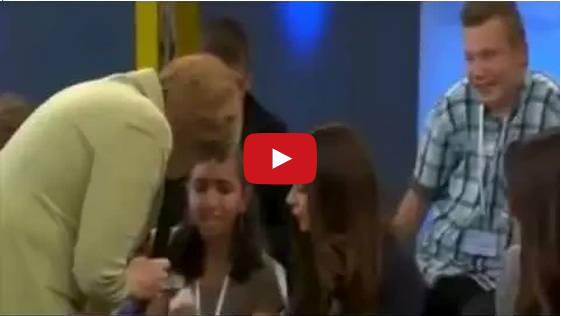 Merkel fa finire in lacrime una studentessa palestinese